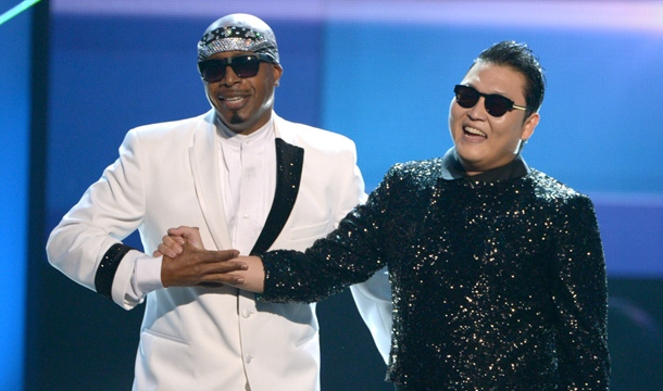 Psy and MC Hammer, American Music Awards